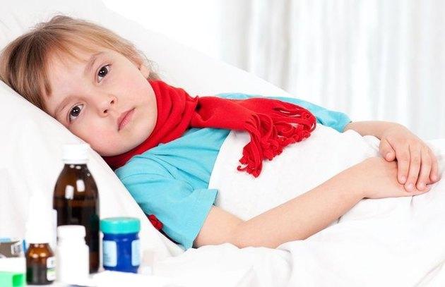 Как лечить кашель у ребенка без антибиотиков